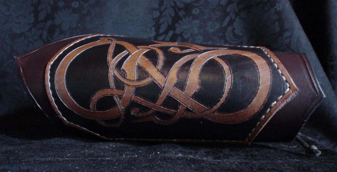 bracelet viking cuir. Black Bedroom Furniture Sets. Home Design Ideas